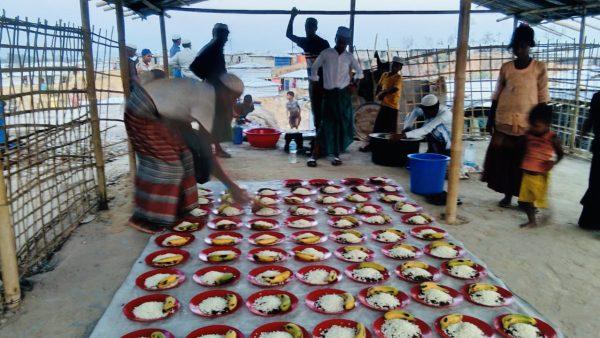 ロヒンギャ難民に食事提供しました【ザカート報告】
