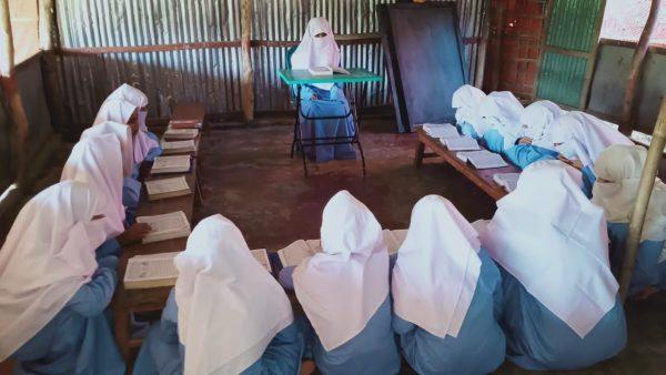 ロヒンギャ難民の女子教育支援